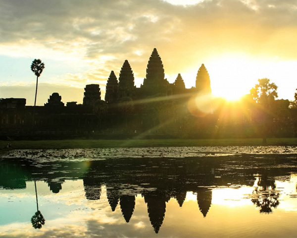 Angkor-Sunrise with Small Tour Circuit