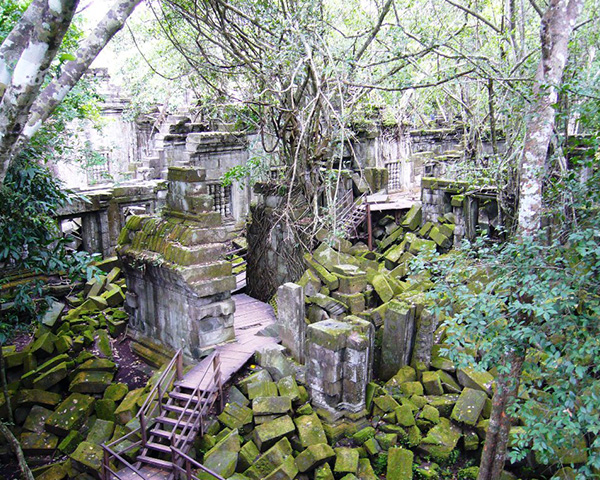 Private Shuttle to Beng Mealea temple & Koh Ker Pyramid Temple, Taxi in Siem Reap