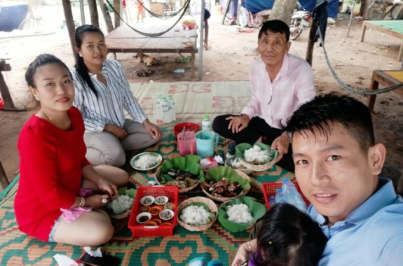 Lunch at west Baray