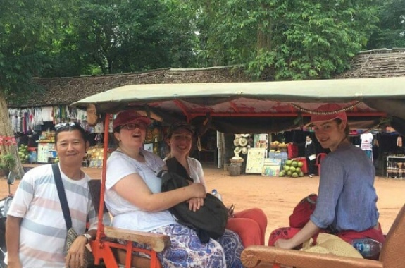 Transport by tuktuk-Small tour